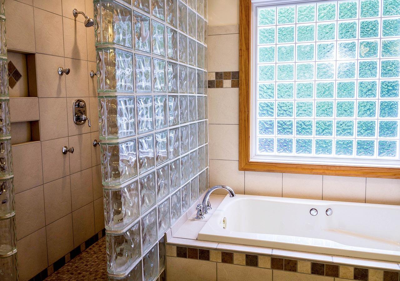 shower-670254_1280.jpg